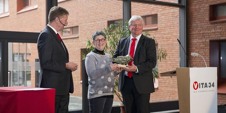 La Dra. Kurtzberg galardonada con uno de los Premios Influencers de la industria de la sangre del cordón umbilical